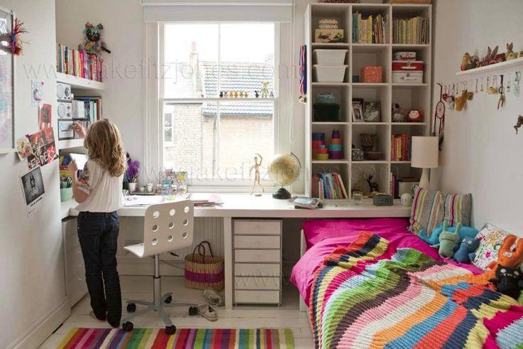 bureau & planken voor kleine kamer