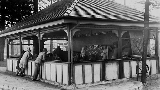 The shelter shed c1930 built for John Suchomlin. Courtesy State Library of NSW