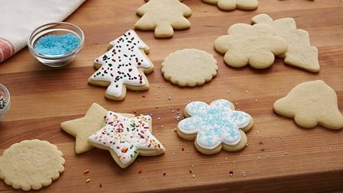 Give your cookies an impressive finish by glazing them with our no-fail royal icing recipe.