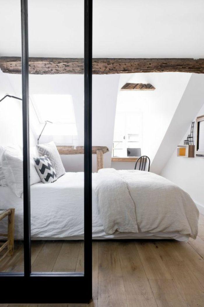 dcor en blanc chambre mansarde lit blanc linge de lit blanc et couleur