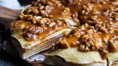 Pannekake-kake med banan, kremost og nøttekaramell_P3250094