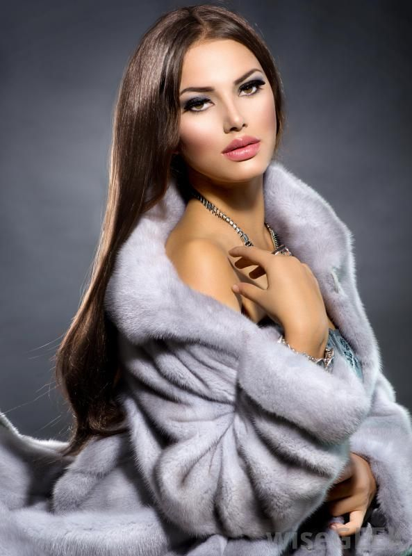 17 Best images about FABULOUS FURS on Pinterest | Faux fur coats ...