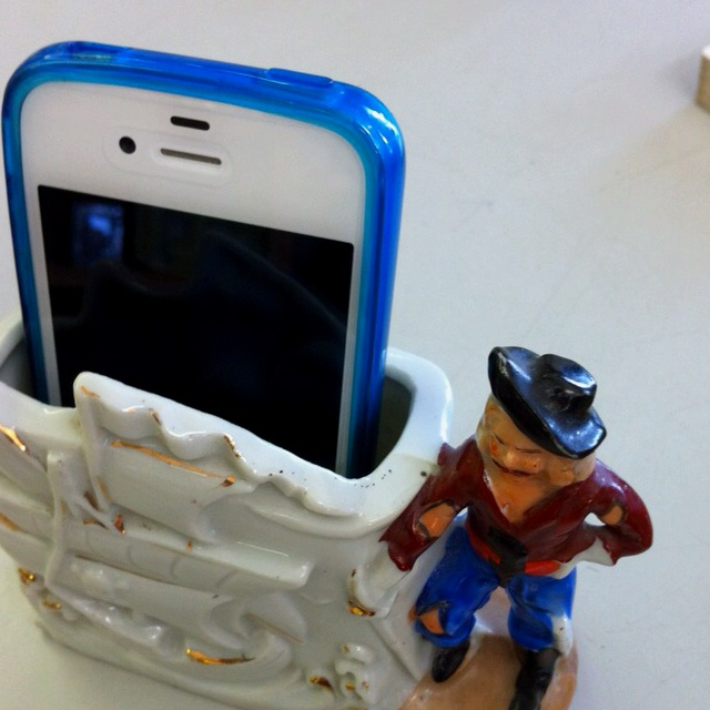 Repurpose a vintage ashtray into a smart phone holder! Found at Another Look Salisbury Ma.