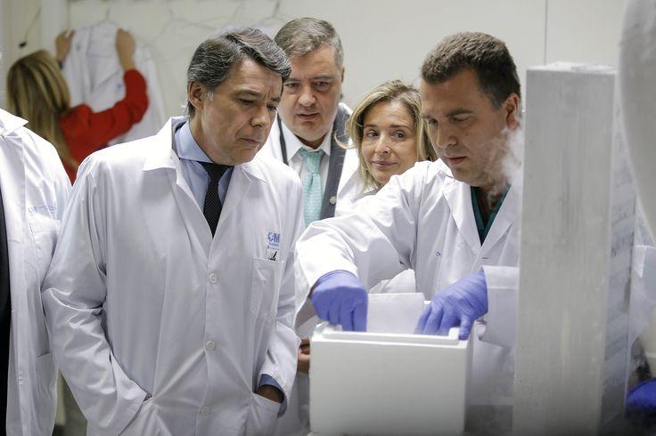 El Hospital Gregorio Marañón presenta, junto a Ignacio González, un gel para la prevención de la infección por el VIH por vía sexual