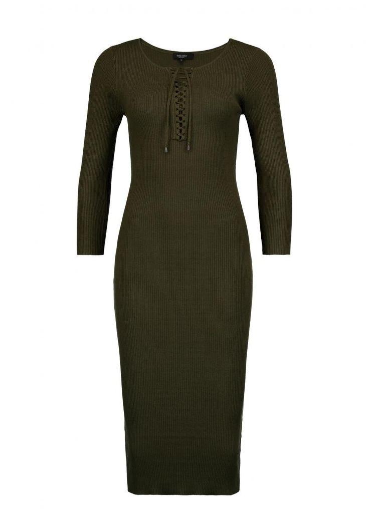 Ribgebreide jurk met rijg-effect