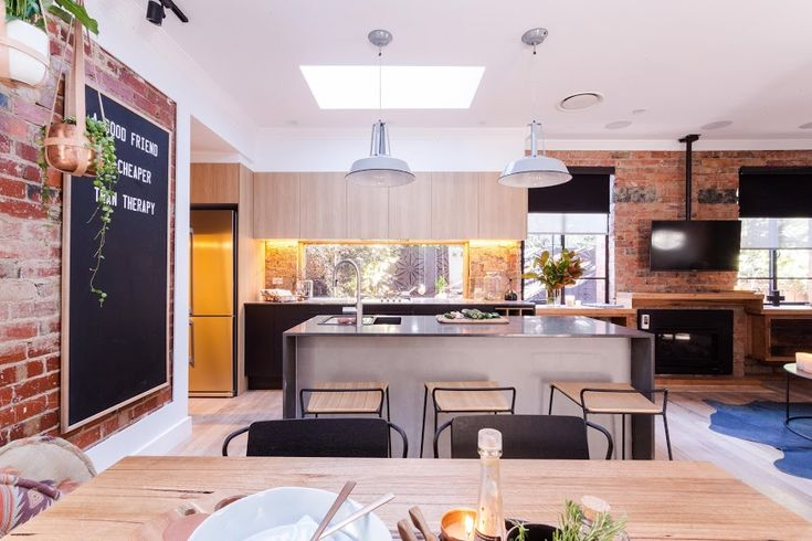 Dining and kitchen Reno Rumble