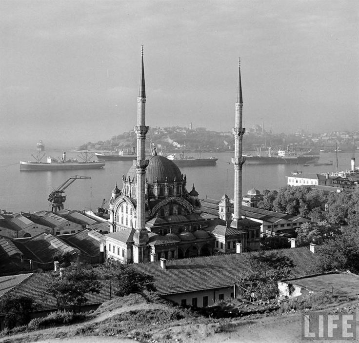 After reaching the terminal station Jack Birns's job was almost done. He only needed to take some atmospheric pictures of Istanbul. For this he selected among others the Nusretiye mosque with the Bosphorus and the Golden Horn as a backdrop. Behind the mosque lie the quays of Tophane, where goods were unloaded. Nowadays Istanbul Modern is located here and cruise ships moor along the quay. Photographer's Jack Birns report was published in LIFE Magazine on September 11, 1950. http://retours.eu