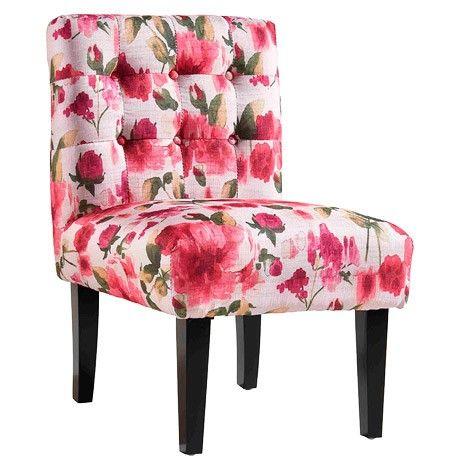 Butacas que te ayudan a transformar espacios.  Esta, de flores, le dará un toque muy alegre a tu salón.  Más propuestas: http://www.mujeresreales.es/hogar/fotos/7-butacas-para-transformar-tu-salon/butacaflores-1