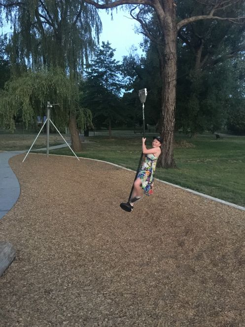 Parks and gardens, sporting facilities, recreation and leisure activities, playground, country playground, historic town, woodfired pizza, free Mineral Springs water, shooting, picnics and nature walks