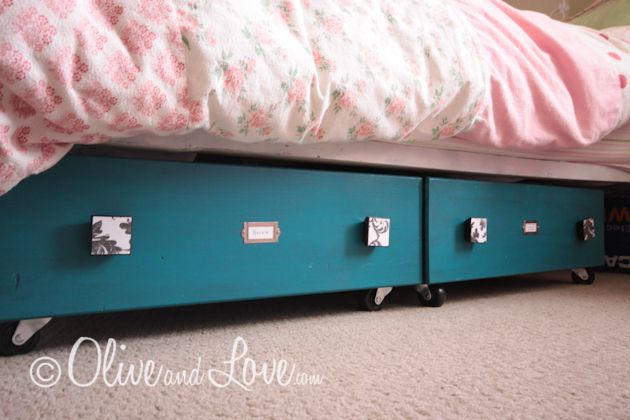 Using old dresser drawers as underbed storage...