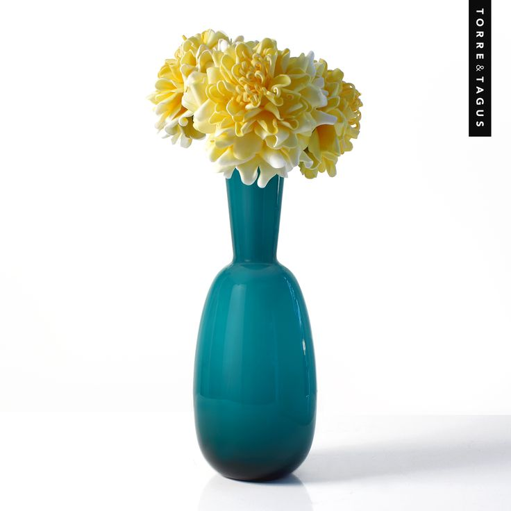 Make a spring statement all year round with these hand made artistic Peony Bloom Flowers - They will look astonishing in your favourite vase or planter! #TorreAndTagus #FauxFlowers #MayFlowers #HomeDecor www.torretagus.com