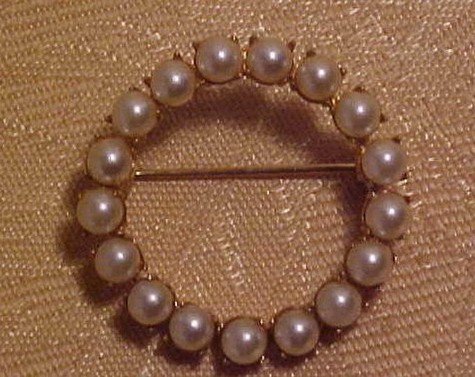 Vintage Seed Pearl Round Brooch. Well Done all hand Set.  FREE shipping in the United States