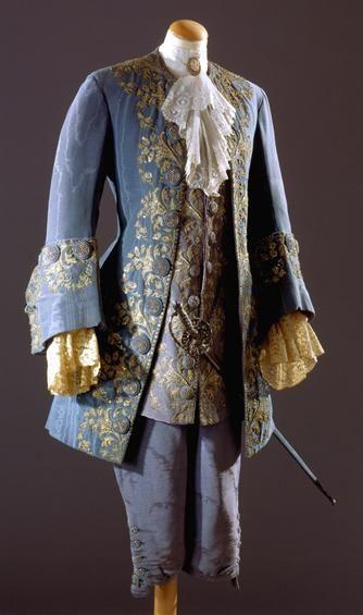 "Costume from the opera ""Manon""(Tomás Alcaide). 20thC. Museu Nacional do Traje"