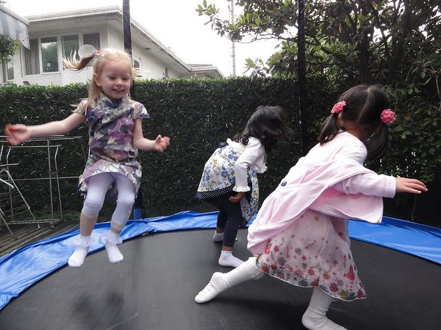 TRAMPOLINE TYPES! SAFETY! GAMES! BENEFITS! THINGS TO CONSIDER! TRAMPOLINE FOR KIDS - THE ULTIMATE GUIDE!