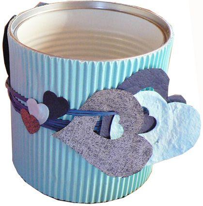 Bricolage d'un pot à crayons bleu pour la fête des pères