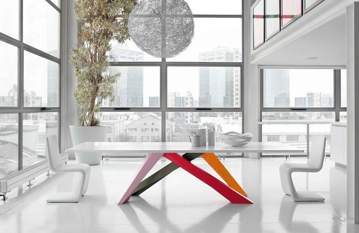 Big Table Table, Bonaldo, Salone Internazionale del Mobile 2017, design: Alain Gilles, Good Design Award 2009 Venere Chair, Bonaldo, design: Bartoli Design