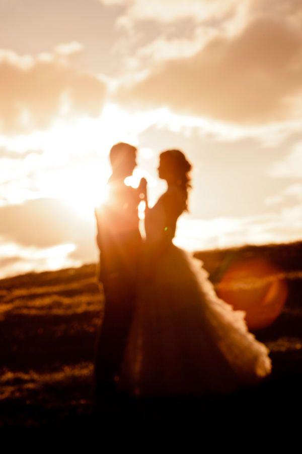 Beautiful sunset photo: Romantic Wedding, Photo Ideas, Wedding Pics, Photo Poses, Wedding Ideas, Silhouette, Wedding Photo, Beautiful Sunsets, Wedding Pictures