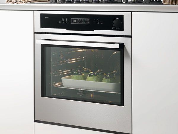 I vantaggi della cottura combinata a vapore sono tantissimi. Con Vaporex di Electrolux Rex gli ingredienti di tutti i giorni diventano piatti straordinari! http://www.arredamento.it/cucina/elettrodomestici/inspiration-range/vaporex-inspiration-range.html #cucina #forni #consiglicucina Electrolux