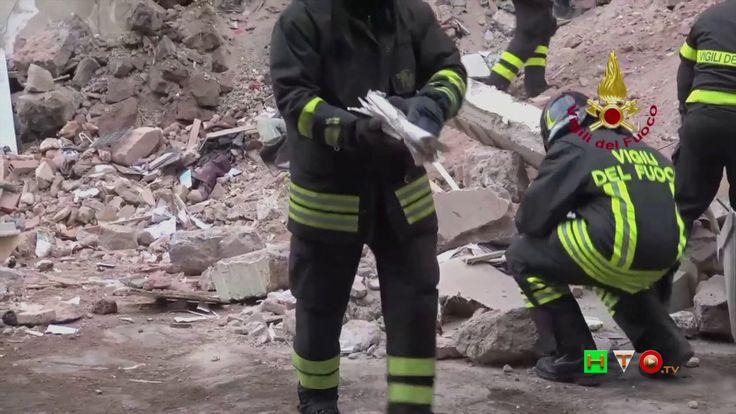 Vigili del Fuoco - Catania - Crollo palazzina per fuga di gas - www.HTO.tv