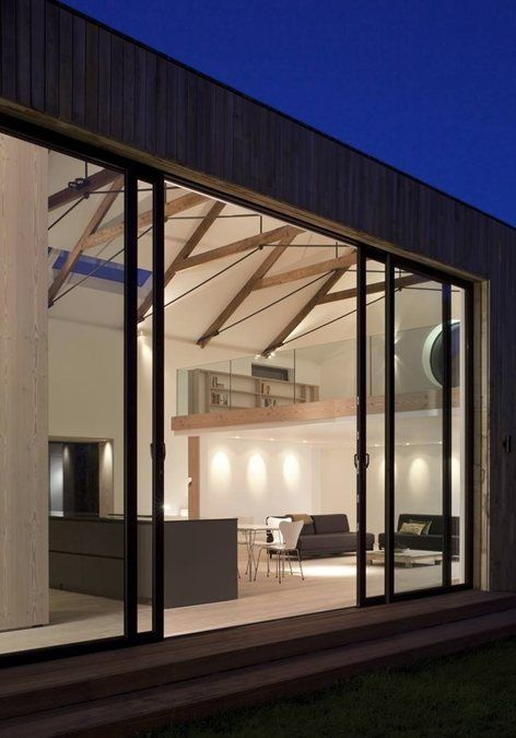 The remodelling and addition to a derelict former packing shed creating a low energy open plan 4 bedroom family home. The initial south facing courtyard concept left the existing volume in place, with one simple elements defining the use of the...