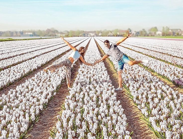 Doing what we do best.. being silly together  _________________________________ We went to the northern part of the Netherlands to see these flowerfields. They were so beautiful! . . . . #wonderful_places #netherlands #traveltogether #travelcouple #couple #couplegoals #flowers #nature #bucketlist #wanderlust #picoftheday #instagood #wanderloveeat #travelgoals #letsflyaway #instatravel #worldtraveler #teamkaptainkenny #love #explore #travelgram #tulips #thisisholland #visitholland #holland…