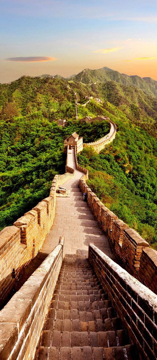 Detalhe de escada na Grande Muralha da China, ao redor de Pequim.  --- http://www.suntzulives.com/ https://www.facebook.com/suntzuproject/