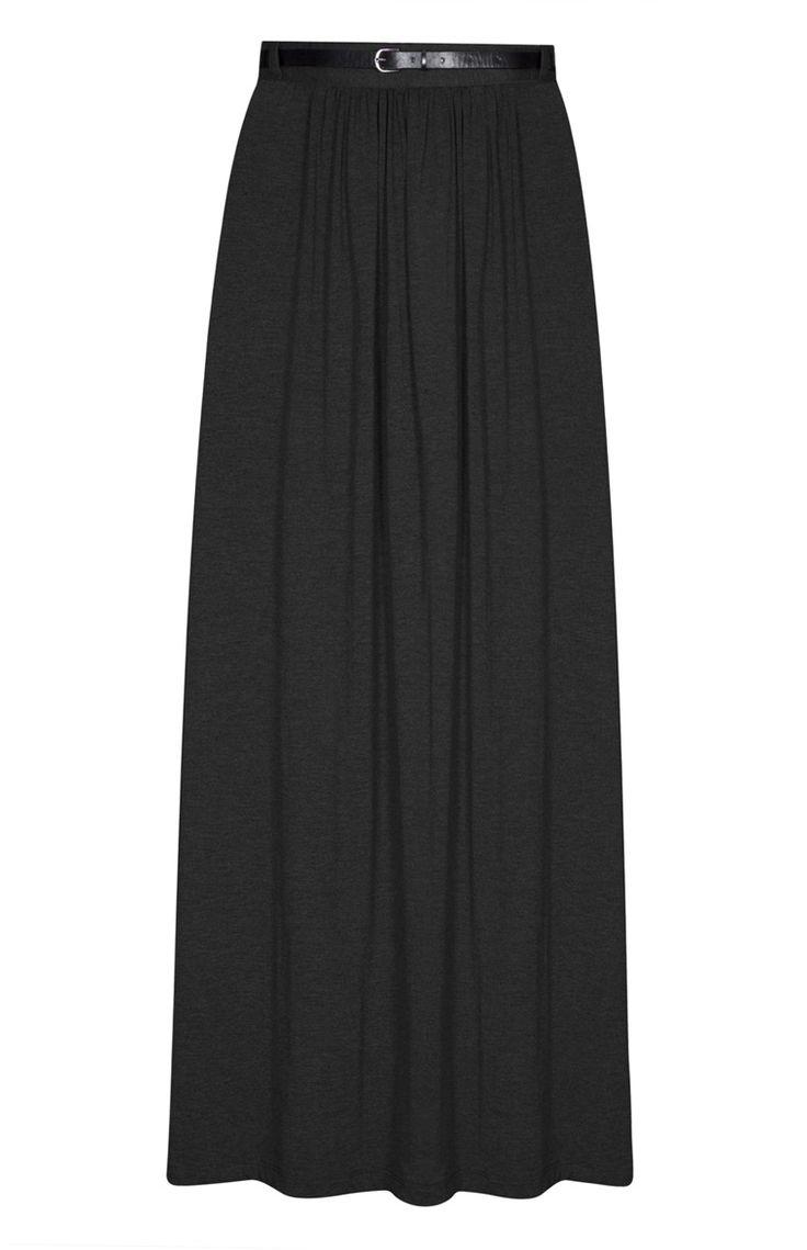 Falda larga negra con cinturón