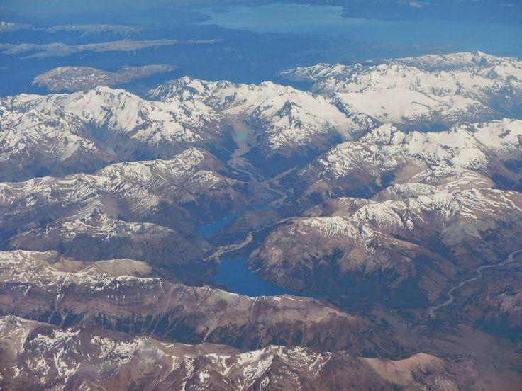 Lagos Verde y Jeinimeni en medio de la Cordillera de Jeinimeni, Reserva Nacional Lago Jeinimeni