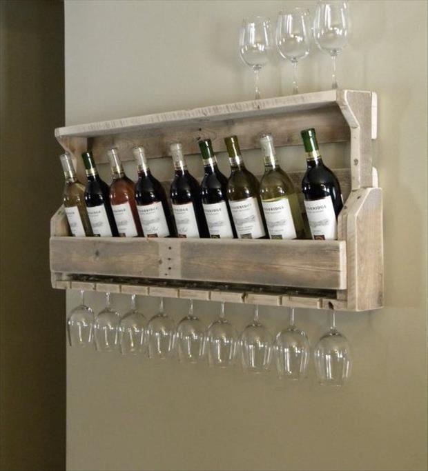 Range bouteille et verres à vin