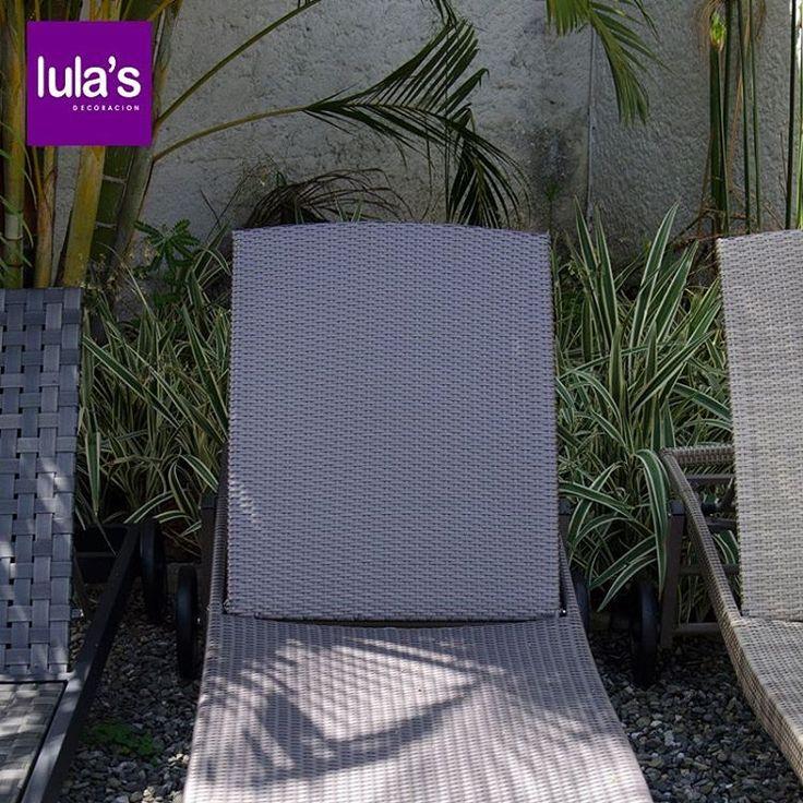 Tener muebles en el exterior de tu casa te permite sentirte relajada y disfrutar de un buen descanso entre semana. En #Lulas lo sabemos y te ofrecemos las mejores opciones .   Ven a visitarnos, estamos ubicados en la transversal 6 # 45 -79 Patio Bonito, Medellín, Tel: 2684641.   #Tendencias #Home #arquitetura #architecture #casa #decor #decoration #furniture #homedecor.
