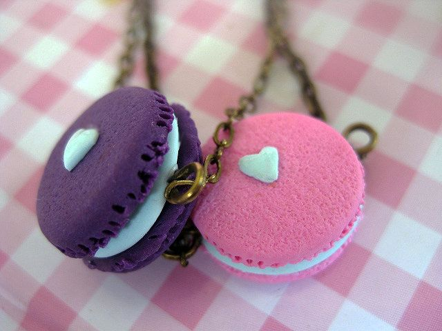 Macaroon Bracelet _ 1/12 Dollhouse Scale Miniature Food _ Polymer Clay _ Food Jewelry _ Foodie Gift _ Macaroon Collection by MarisAlley on Etsy