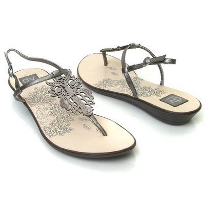 i WANT theseFashion, Summer Sandals, Shoes Owls, Owls Things, Owls Obsession, Pewter Sandals Owls Image3, Owls Shoes, Owls Sandals, Pewter Sandalsowlimage3