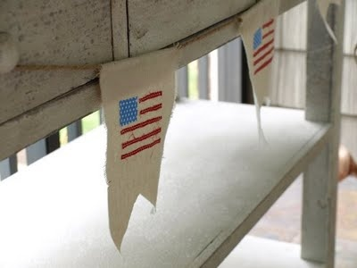 Great Idea! American Flag Bunting  by:  Less-Than-Perfect Life of Bliss