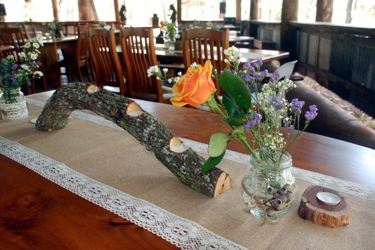 Lace & Hessian Table Runners x 15