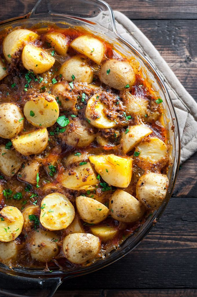 A paste of fried bread, garlic, and almonds lends indisputably scrumptious flavor and lots of hearty texture to hearty vegan  Spanish potatoes.