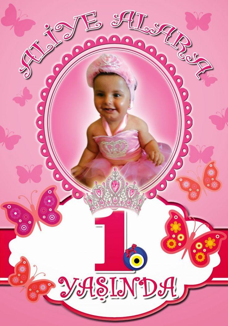 1 yaş doğum günü afişleri sizin için de güzel bir anı olacaktır. Biraz photoshop biliyorsanız doğum günü afişi şablonları hazırlama bile yapabilirsiniz.
