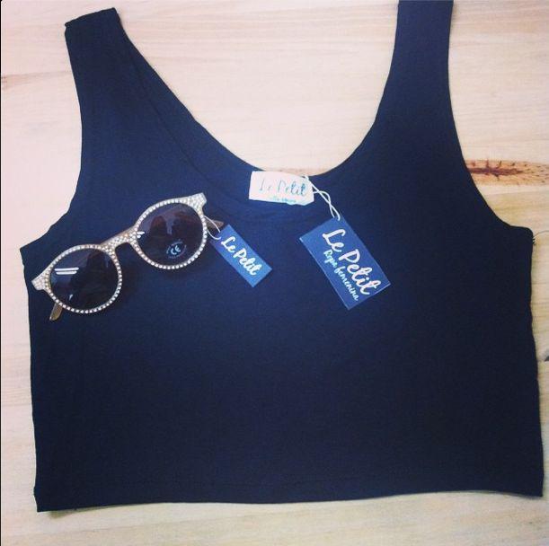 Para combinar tu maxi falda estampada Súper precios Le Petit❤️ #lepetitfashion #sunglasses #black #chic