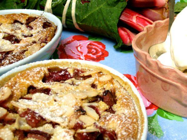 Rabarber Clafouti - en fransk äggakaka