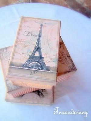 Paris boxes