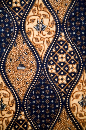 Batik Fabric Design, Bali    http://www.silvermessages.com/sterlingsilverjewelry/category/bali-jewelry.html