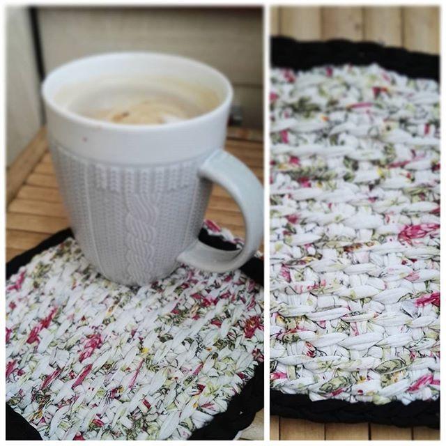 #caffeetime ❤✌ #wiosna #spring #crocheting #crochet #szydełkowanie #szydełko #szydelkowelove #tunezyjskieszydełko #tunisiancrochet #inprogress #passion #craft #yarnporn #yarn #tshirtyarn #yarnart #textileart #handmadeinpoland #karolahandmade #rekodzieło #byhand #lovehandmade #kottoon  #wip #szydelkotunezyjskie #podkładka #crmd #i_love_rekodzielo