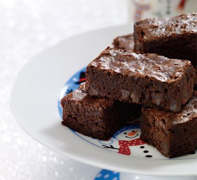 Try #AnnaOlson's Decadent #Chocolate Brownies. Mayonnaise is the secret ingredient that replaces butter and makes these brownies rich and fudgy.
