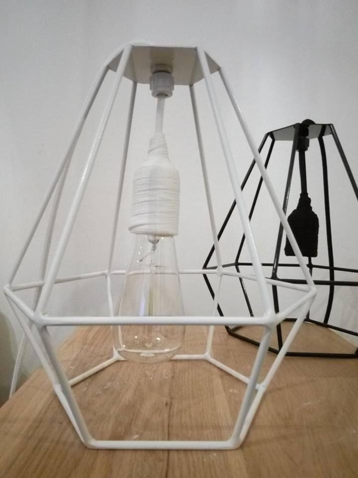 Lampara Diamante en hierro con cable y portalamparas de tela