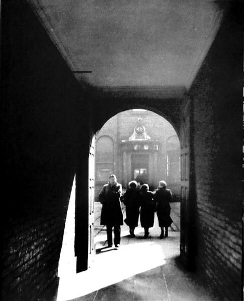 The archway from Dame St, leading to Commercial Buildings.