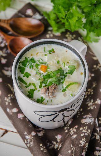 Почему-то супы в моем журнале пользуются особой популярностью, наверное, у меня на них отличный нюх! :)) Сегодня это чизбургер-суп от home_chef сначала я процитирую…