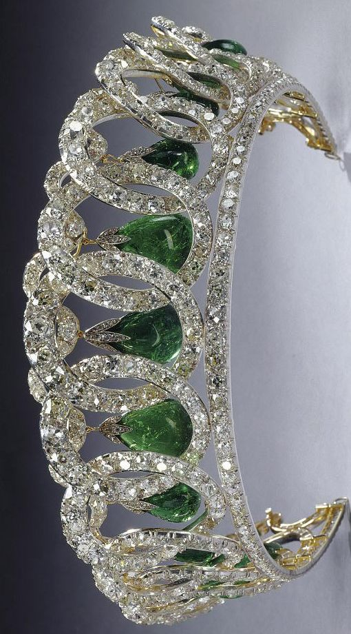 The Grand Duchess Vladimir Tiara with Cambridge Emeralds. Picture courtesy of Geoffrey Munn.