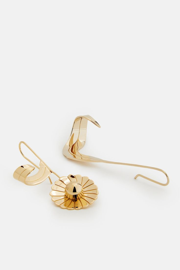 Daisy and Leaf Earrings - JW Anderson