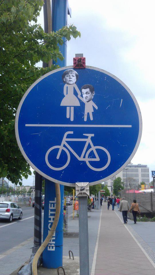 """""""traffic-sign Merkozy""""  City: Berlin-Hauptbahnhof"""