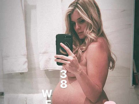 "Daphne Oz gets ready for her new arrival by sharing this nude photo saying, ""We are very close now. 193lbs (so my doctor tells me - i don't own a scale). definitively not all baby."""