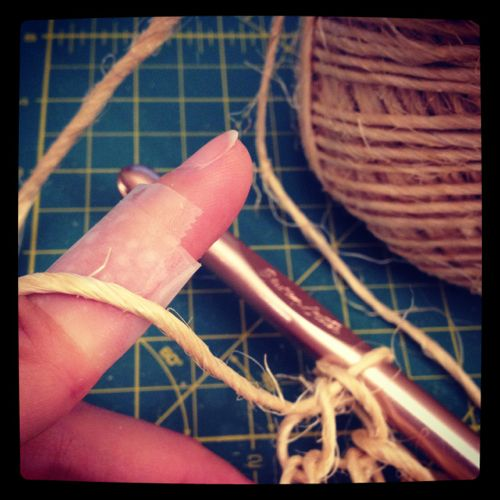 Craft Tip: Crochet with Twine without Killing Your Fingers #tips #crochet #twine
